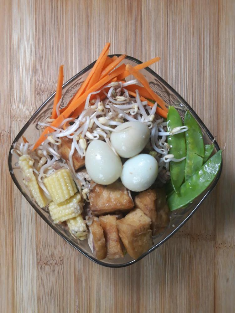 Ginisang Togue (Mung Bean Stir Fry)