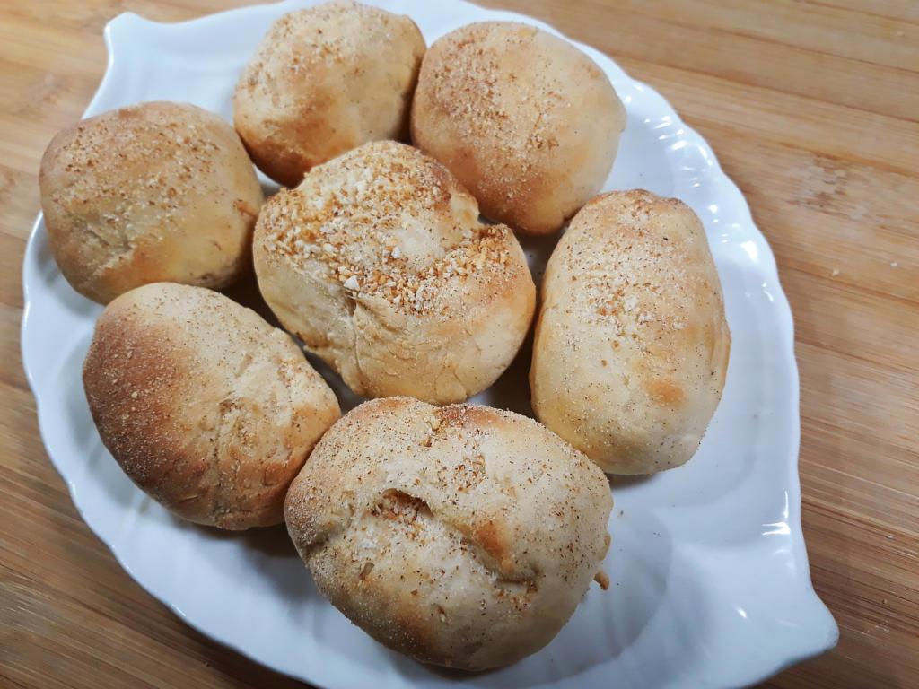 Homemade pandesal recipe